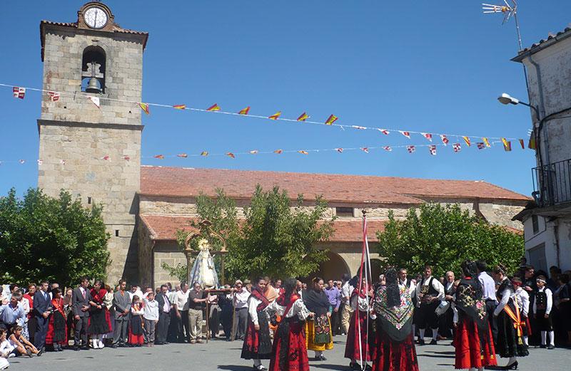 La Iglesia El Día De La Fiesta.