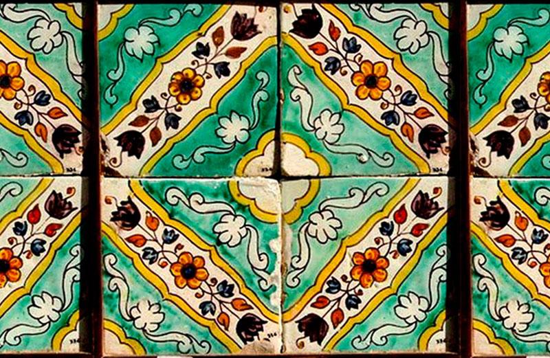 Pieza Floral Producida Por La Fábrica Pujol I Bausis, Aplicada A La Casa Lleó Morera De Barcelona, Obra Del Arquitecto Lluís Domènech I Montaner. Foto Marta Saliné.