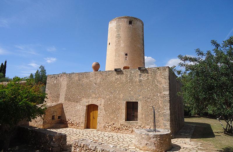 Museu Del Fang, Ubicado En Un Antiguo Molino Harinero.