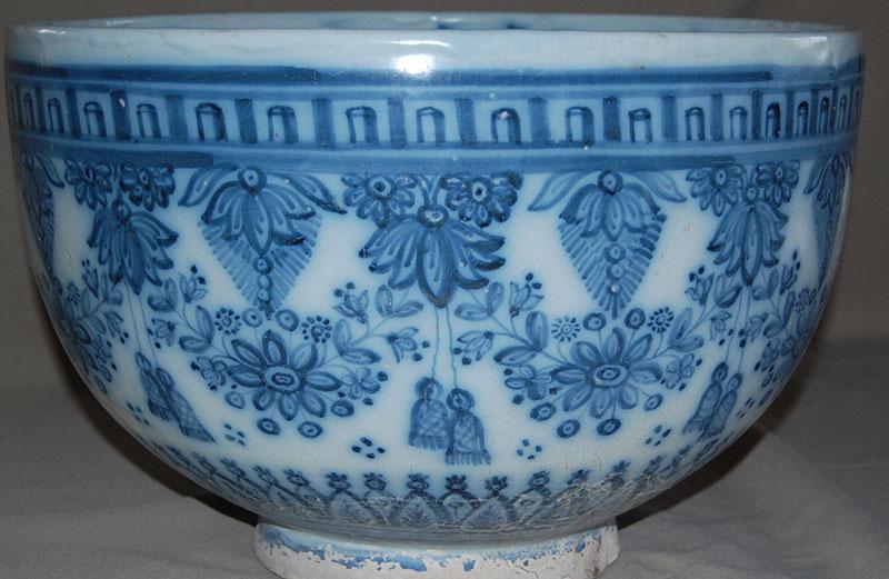 Cuenco Bautismal S. XIX, Serie Azul Y Blanco