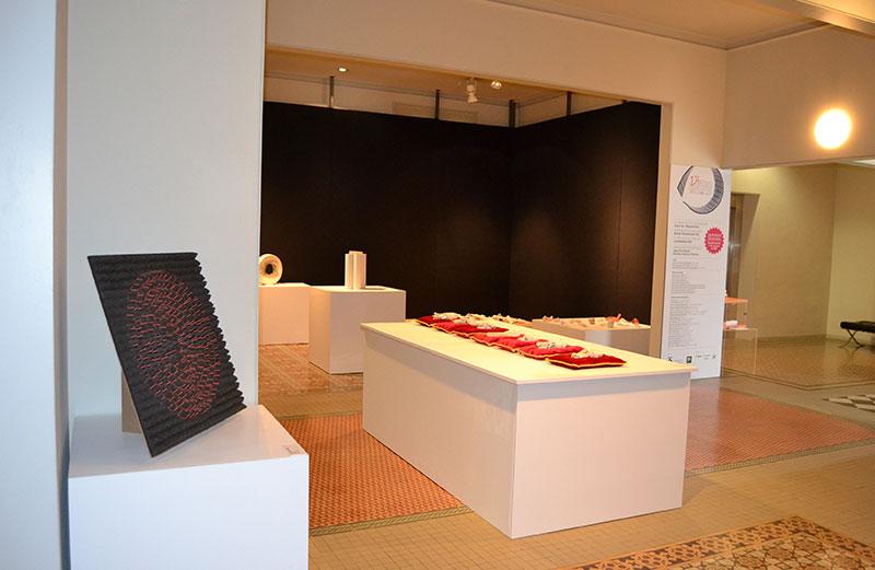 Exposición De La 17 Biennal De Ceràmica D'Esplugues Angelina Alós (2014) En Can Tinturé . Foto Isabel Vilaseca